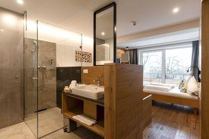 Gartenstudio mit offenem Badezimmer
