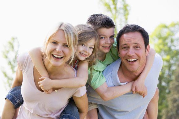 Familien-Pfingst-Wochen | Monkey Business / Fotolia